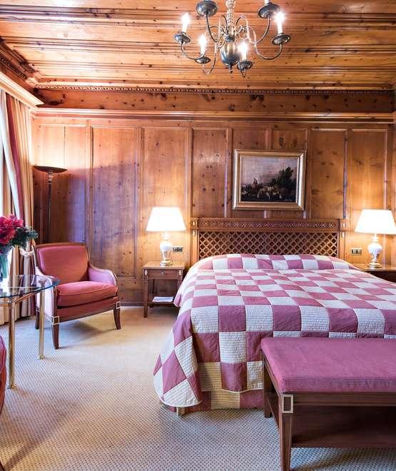 San Moritz Apartments: Double Room Village Side North · Kulm Hotel St